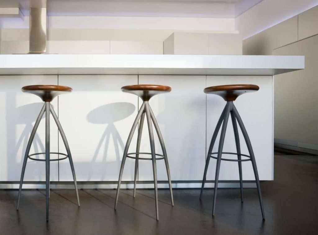 epoxy-flooring-bar-stools